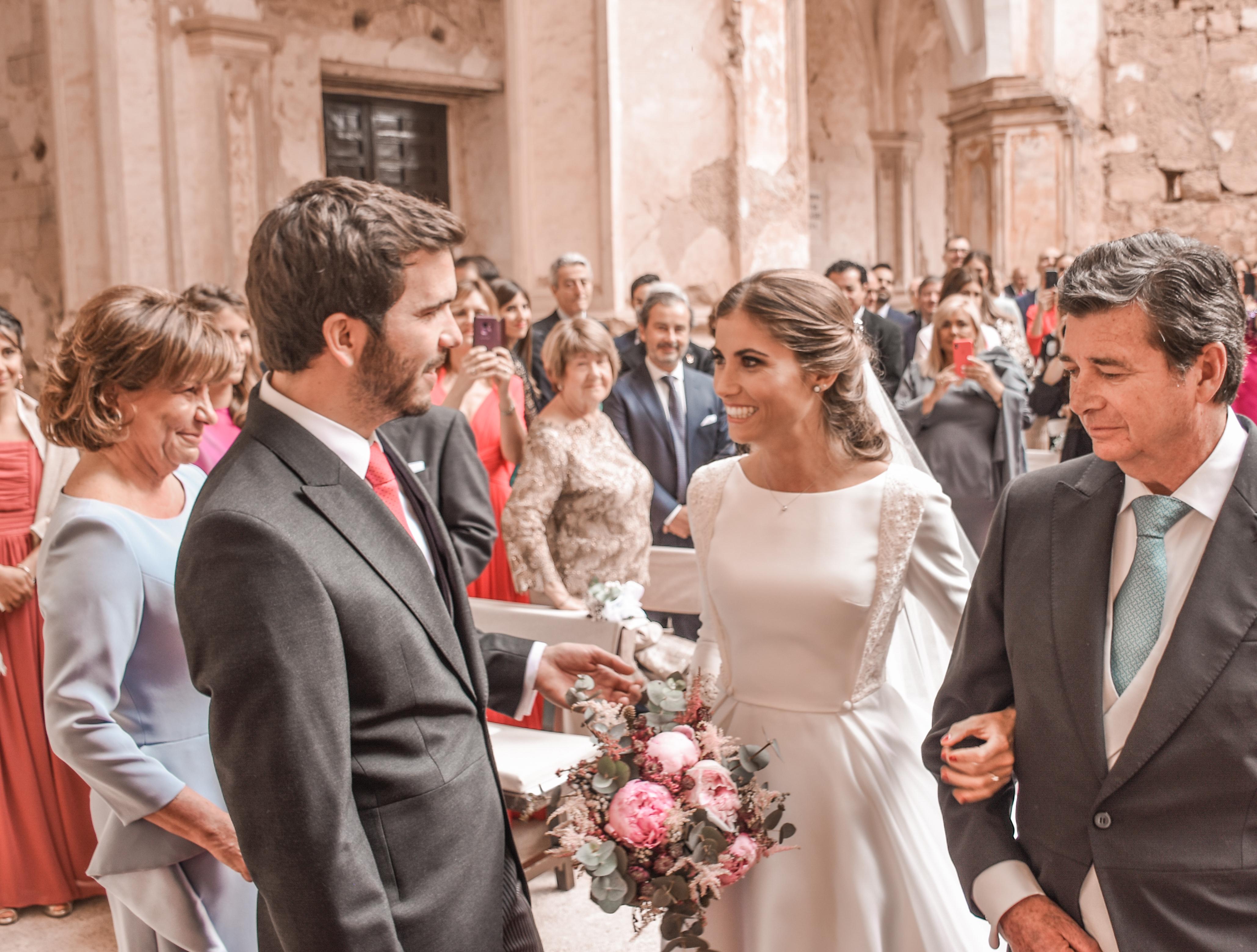 La boda de Ana y Alejandro en el Monasterio de Piedra
